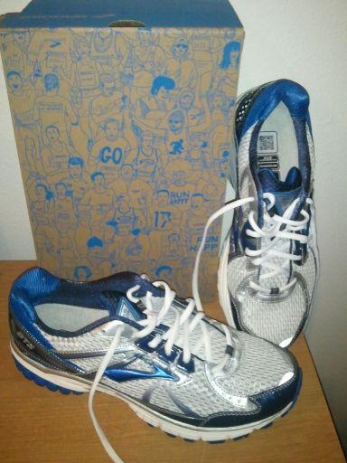 GTS Brooks Running Shoes, www.ishism.com